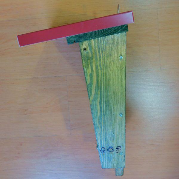 Caja nido para murciélagos CM10 con tratamiento exterior de lasur y sobre-tejado de acero lacado