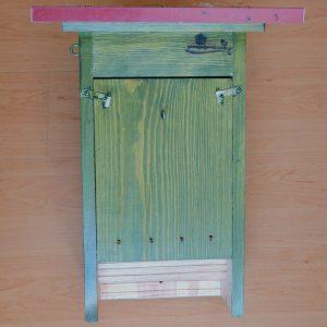 Caja nido para murciélagos CM13 con tratamiento exterior y sobre-tejado