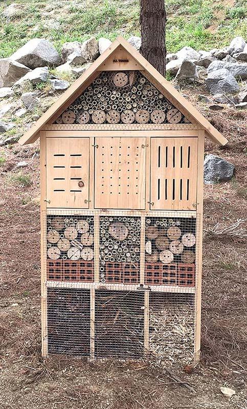 Hotel o Refugio de insectos de grandes dimensiones para parque público